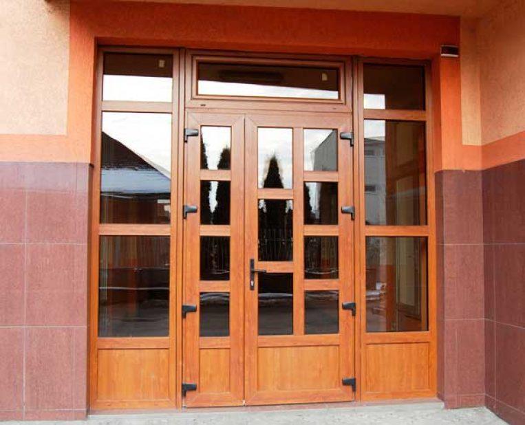 Качественная установка пластиковой двери - Завод «АДИСЭМ»